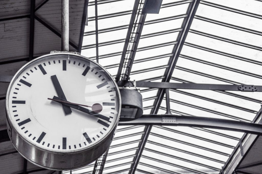 https://www.pexels.com/photo/time-train-station-clock-deadline-4090