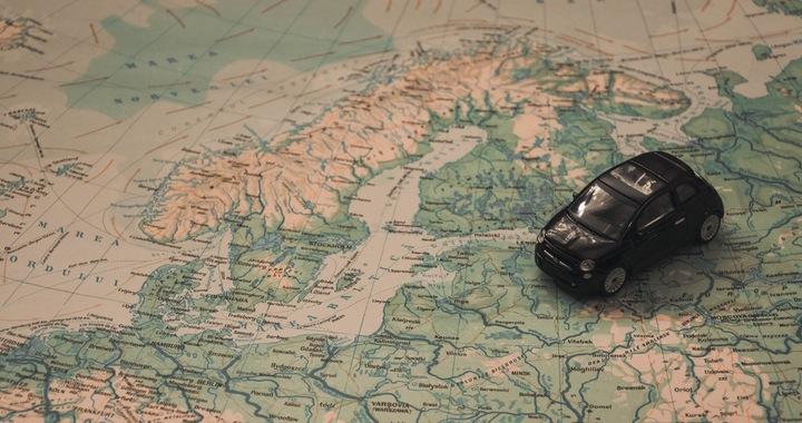 https://www.pexels.com/photo/holidays-car-travel-adventure-21014